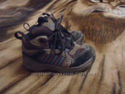 Деми ботинки, кроссовки Adidas , р. 21  5К, по стельке 13, 7 см