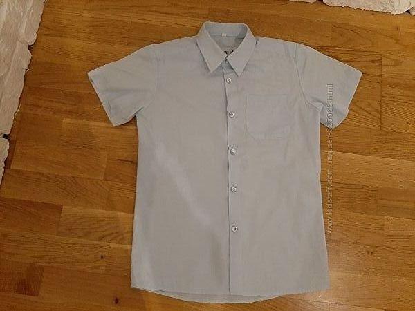 голубая рубашка с коротким рукавом рост 134-140 ворот 32