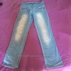 светлые легкие джинсы с не высокой резинкой