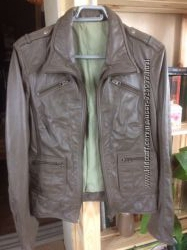 Женская кожаная куртка, размер М
