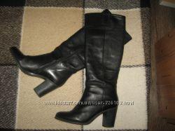 Стильные кожаные сапоги Tamaris