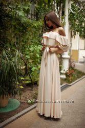 Платье с открытыми плечами двойной волан масло
