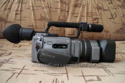 цена снижена  Видеокамера Sony DCR-VX2100E