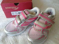 Новые кроссовки Saucony US 2, 5, 22 см по стельке. Оригинал, в коробке.