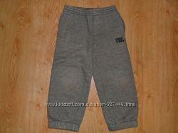 Теплые спортивные брюки Timberland оригинал на 3-4 года.