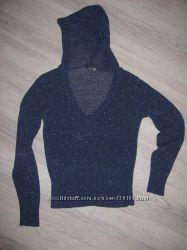 Красивый свитерок Oggi с капюшоном 44-48р