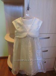платье нарядное фирма TU на 4 года