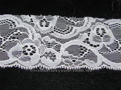 Красивейшее белое кружево Цветы шир  4, 0 - 5 см пр-во  90г Прибалтика. Рез