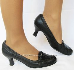 333. Мягусенькие туфли Tamaris кожа 39 р. как новые