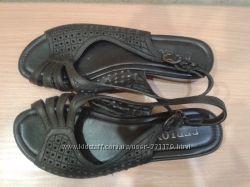 Продаю летнюю и осенне-весеннюю обувь