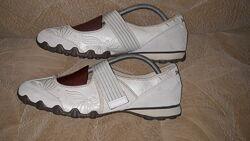 Спортивные туфли Skechers - размер 39