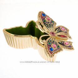 Красивая и яркая шкатулка-бабочка