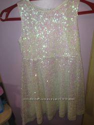 Платье в Пайетках блёстках очень нарядное и красивое