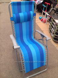 Удобное кресло-шезлонг с подголовником