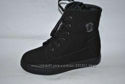 Черные ботинки на меху.