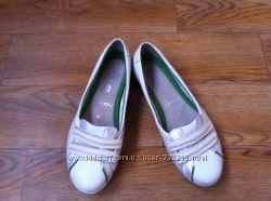 Кожаные спортивные туфельки  CLARKS. 37, 5 размера