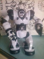 Робот mini Robosapien WowWee