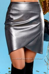 Невероятно стильная юбка на запах из эко-кожи