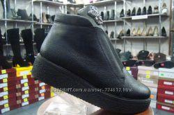 Молодежные зимние ботинки на платформе