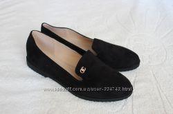 Стильные замшевые туфли 40 размера