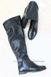 Сапоги ботфорты черные кожаные без каблука