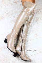 Сапоги ботфорты кожаные бежевые кремовые, синие на маленьком каблуке