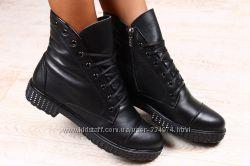Ботинки зимние черные на шнурках на меху без каблука