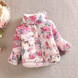 Модная курточка для девочки в цвети