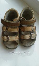 Босоножки, сандали детские р. 20 кожаные RERE MOUSE