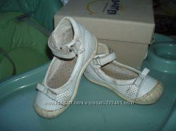Туфли Bartek р. 25, по стельке 16, 5 см.