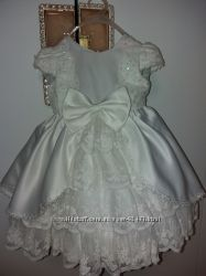 Невероятно красивое платье 12-24мес. Пышное.