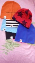 Весенние шапочки новые и бу  на 1-3 года