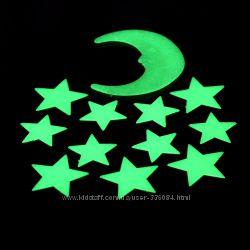 Звезды и месяц. Накапливают свет и горят ОЧЕНЬ ярко