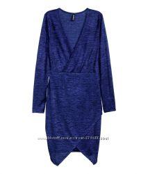 Короткое облегающее платье H&M с длинным рукавом из слегка блестящей ткани