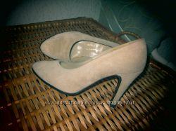 Красивые бежевые нюдовые туфли натуральная замша высокий каблук 36 размер