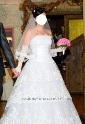Платье свадебное, фата , перчатки