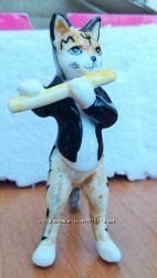 Коллекционная фарфоровая фигурка серия коты