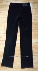 Нарядные черные джинсы прямые