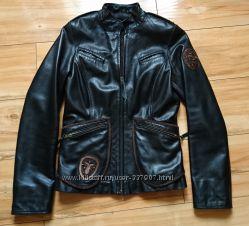куртка кожаная черная  в отличном состоянии