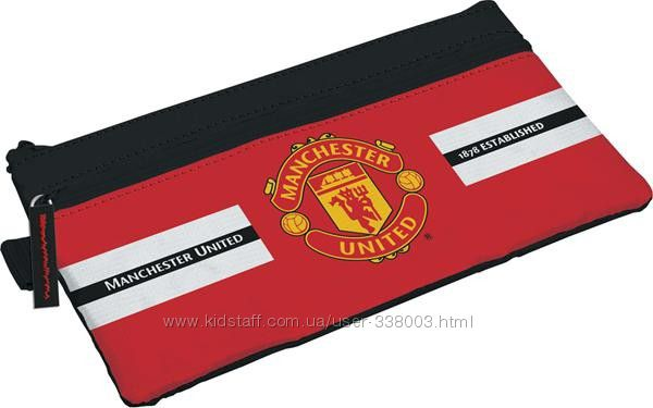 Яркий пенал Манчестер Юнайтед для юных любителей футбола.