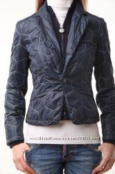 Продам замечательную итальянскую куртку фирмы Bikkembergs оригинал