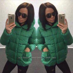 Зеленая курточка новая