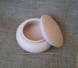 Круглая шкатулка из дерева - бук