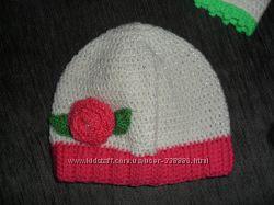 Много ярких и красивых шапочек. Новые.