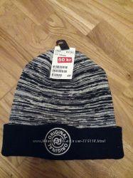 Фирменная новая шапка H&M