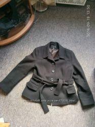 Продам демисезонное пальто