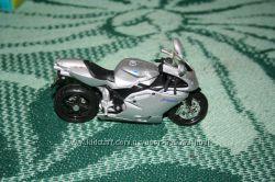Коллекционные Машинки, мотоцикл Burago металл