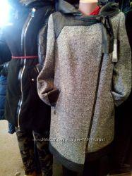 Пальто серого цвета, с 50по 56 размер.