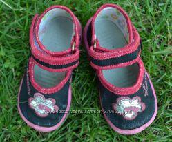Обувь на маленькие ножки -  туфельки, тапочки