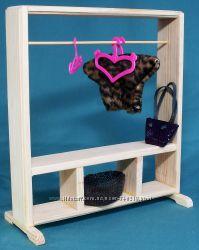 вешалка для одежды в кукольный дом